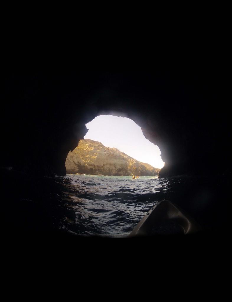 kayak-turbulent-cave.jpg